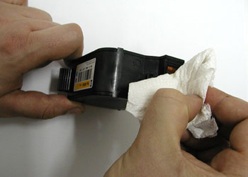 Special gel to protect print-head in the black and colour cartridges