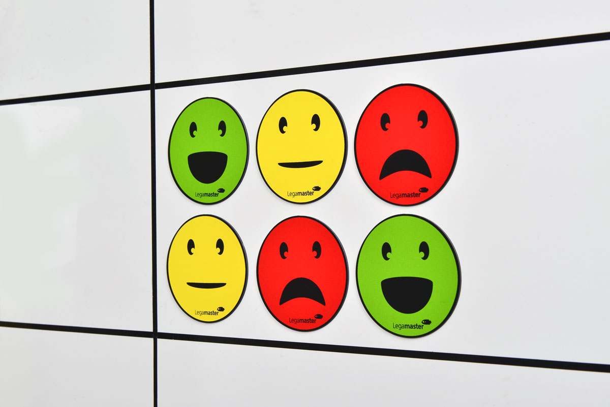 Round magnets - faces: neutral, smile, sad